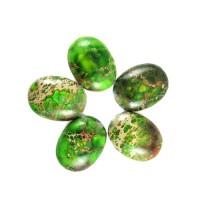 Variscitas žalias, kabošonas 10*14 mm.