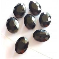 Kristalas briaunuotas, ovalus juodos sp., 9x12x6mm , 1 vnt.