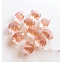 Kristalas briaunuotas, ovalus persikinės sp., 9x12x6mm , 1 vnt.
