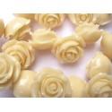 Akrilinės gėlytės rožės, veriamos dramblio kaulo sp., 15x8mm, 1 vnt.