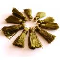Sintentinių siūlų kutelis, tamsiai žalias su aukso sp. žiedeliu, 30x15mm, 1 vnt.