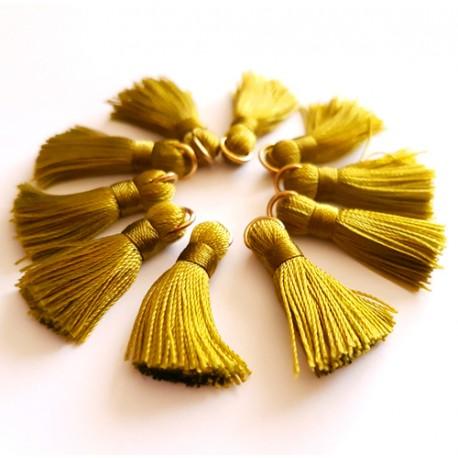 Sintentinių siūlų kutelis, šviesiai žalias su aukso sp. žiedeliu, 30x15mm, 1 vnt.