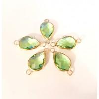Intarpas su šviesiai žaliu salotinės sp., kristalu lašo formos, 21x11x5mm, 1 vnt.