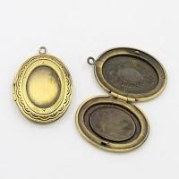 Pakabukas medalionas, antik. bronzos sp. 23x32mm, 1 vnt.