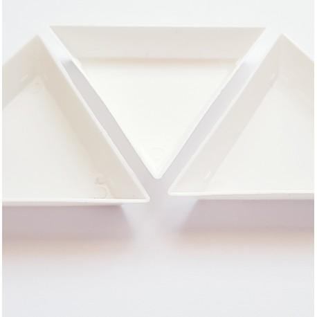 Lovelis, lėkštutė karoliukams trikampis, 72x72mm, 1 vnt.