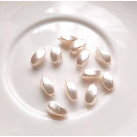 Perlai suktos ryžio formos, baltos sp., čekiškas krištolas, 10x5mm, 12 vnt.