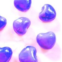 Keramikinės širdelės baltos sp., 15x17mm, 1 vnt.