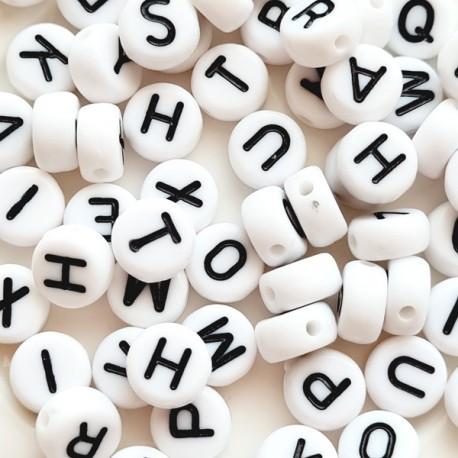 Karoliukas raidė A akrilinis, baltos sp., 7mm, 1 vnt.