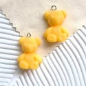 Akrilinis meškis geltonas 24x19mm, 1 vnt.