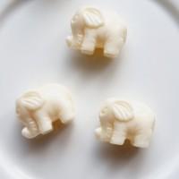 Balto koralo drambliukas veriamas 12 mm,1 vnt.