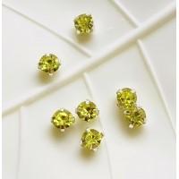 Kristalai prisiuvami, akutės, žalios salotinės sp., 4mm, 1 vnt.